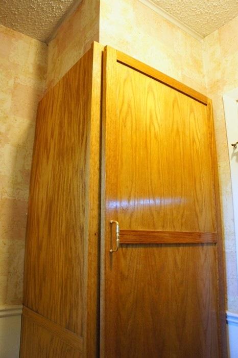 HallBathroom12