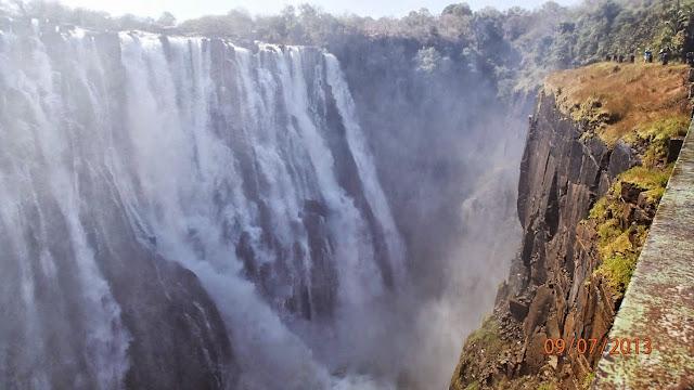 Victoria Falls ZA 035.JPG