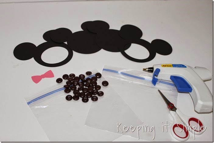 Mickey mouse and Minnie Mouse Homemade Valentines with Printable (1)