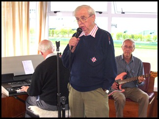 A jam session with Peter Brophy on keys, Gordon France on vocals and Brian Gunson on guitar.