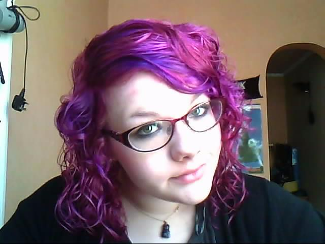 Hollys Blarg Dye Your Hair Purple With Schwarzkopf Live Color Xxl