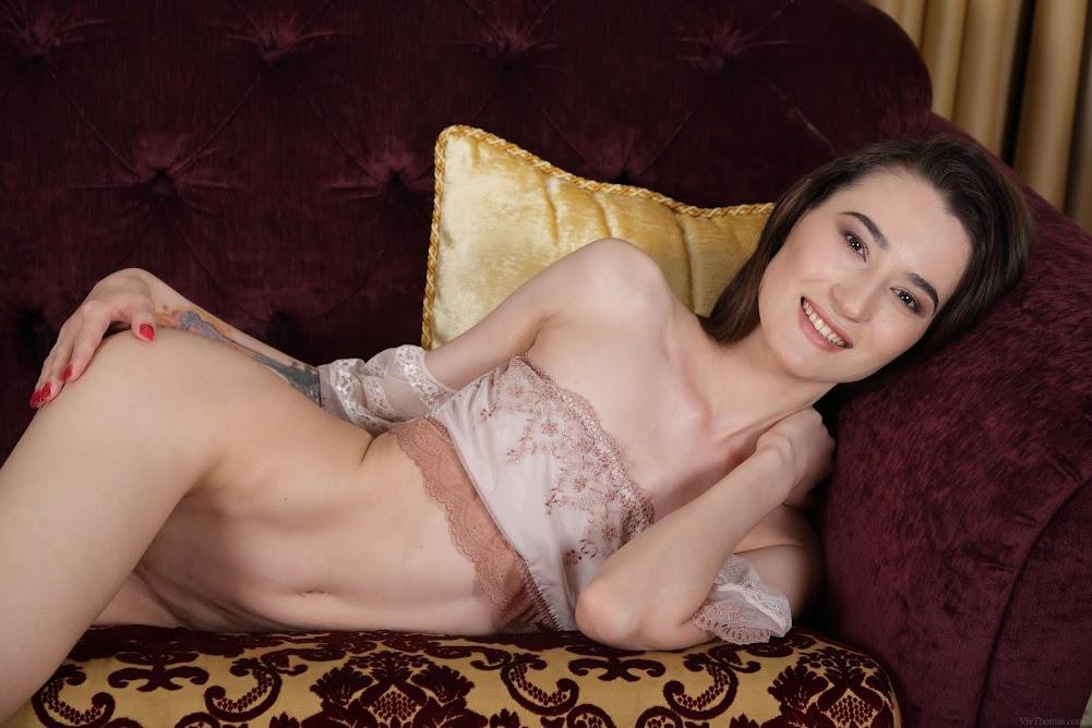 [Vivthomas] Sofia Lia - Bohemian BeautyReal Street Angels