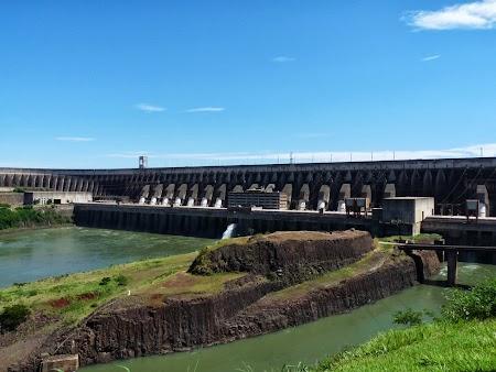 Cascada Iguazu: Barajul Itaipu