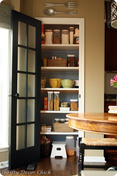 pretty pantry stenciled walls