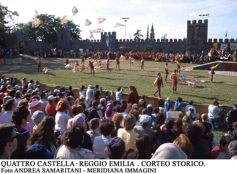 Meridiana Immagini Quattro castella corteo matildico panoramica orizzontale