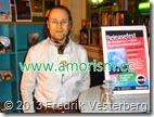 DSC01213.JPG Fredrik läser sin dikt Om pi i och filosofi för första gången. Världspoesidagen 2014 med amorism