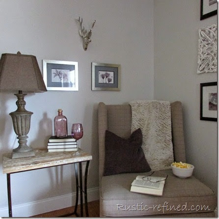 Rustic Holiday Decor in the Living Room @ Rustic-refined.com