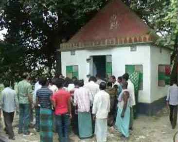 ঝিনাইদহ জেলার কালীগঞ্জে জামাতের হাতে আক্রমণের শিকার শিবমন্দির