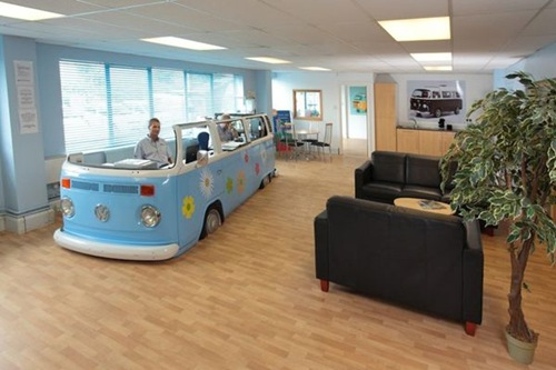 Alizul 15 Awesome Office Desks Made From Repurposed Cars