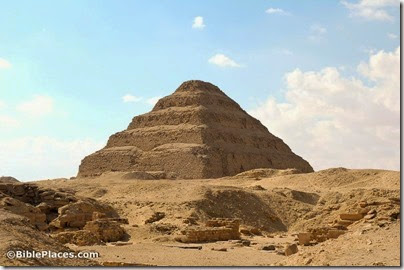 Saqqara Step Pyramid of Djoser from northeast, tb010705916