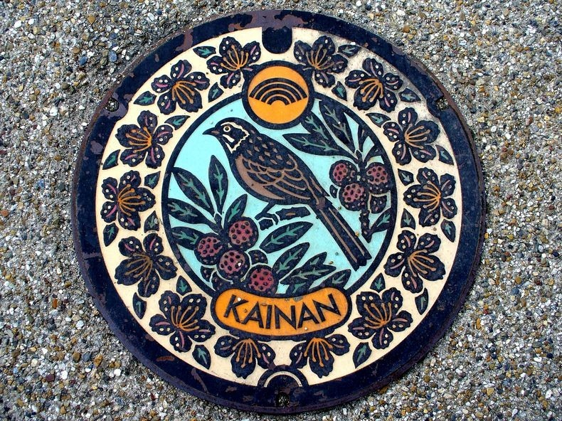 japan-manhole-covers-3