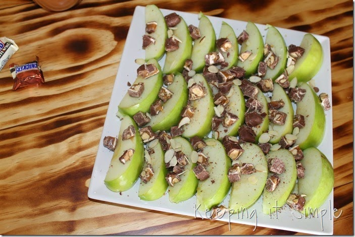 #ad Apple-SNICKERS®-Delight #WhenImHungry (4)