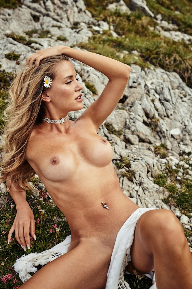 [Playboy Plus] Julia Prokopy - Playboy Germany 1538721920_juliapde_0009