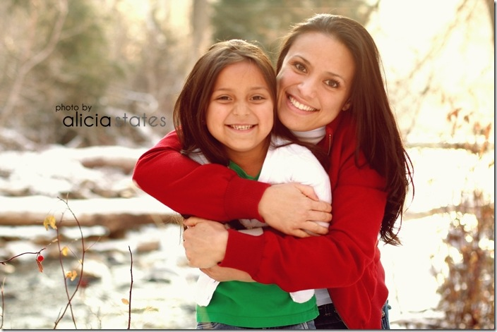 alicia-states-photography-mother-daughter-snow-river- 025-3