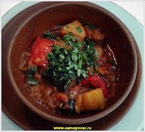 Аджапсандал - блюдо грузинской кухни.