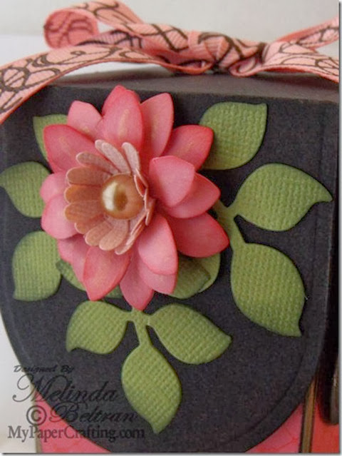 die cut box flower cu 480_thumb[4]