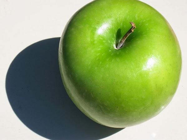 green apple.jpg