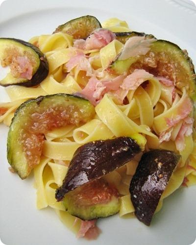 Tagliatelle-prosciutto-e-fichi-La-cucina