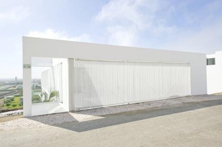 fachada-casa-moderna-en-playa-el-golf-rrmr-arquitectos