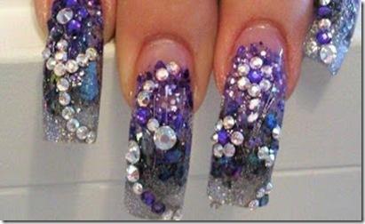 decoracion con piedras bonitas en uñas