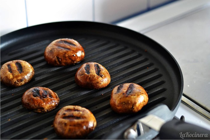 grilling mushrooms