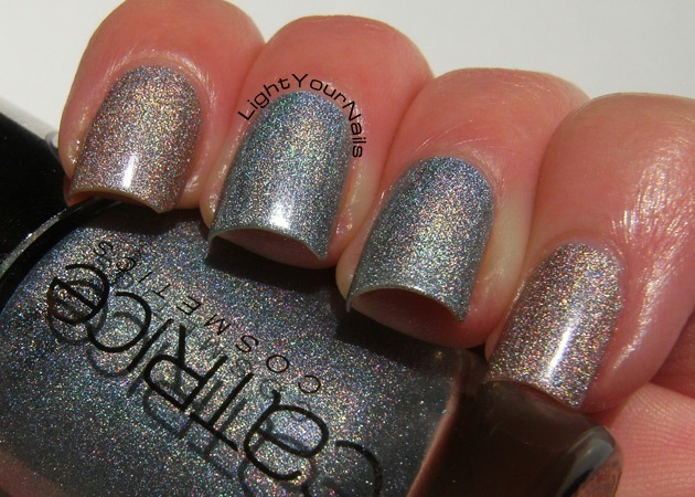Catrice Haute Future Eletrix Blue and iROSEdescent