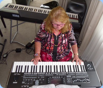 Desiree Barrows coming to grips with the Korg Pa3X and playing very nicely too!