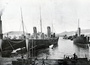 El CANOVAS DEL CASTILLO y los otros cañoneros del programa en su terminación a flote.Foto del libro OBRAS. S.E. de C.N. Año 1923.jpg