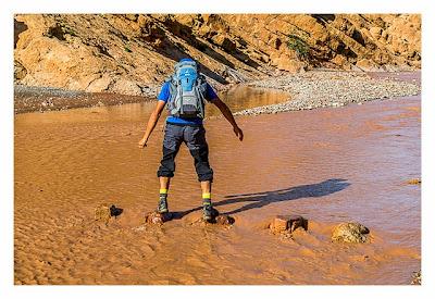 Im hohen Atlas: Flussquerung