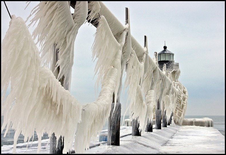 frozen-lighthouses-9