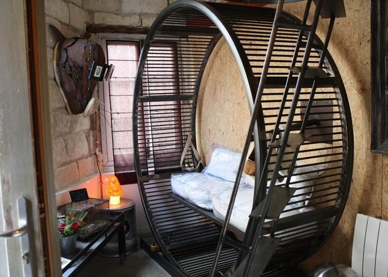 live like a hamster at la villa hamster hotel amusing planet. Black Bedroom Furniture Sets. Home Design Ideas