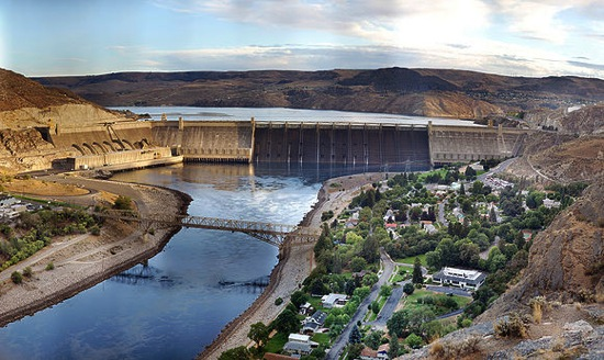 580px Grand Coulee Dam Panorama Smaller