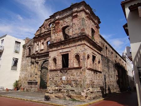 18. Ruine de biserici in Panama City.JPG
