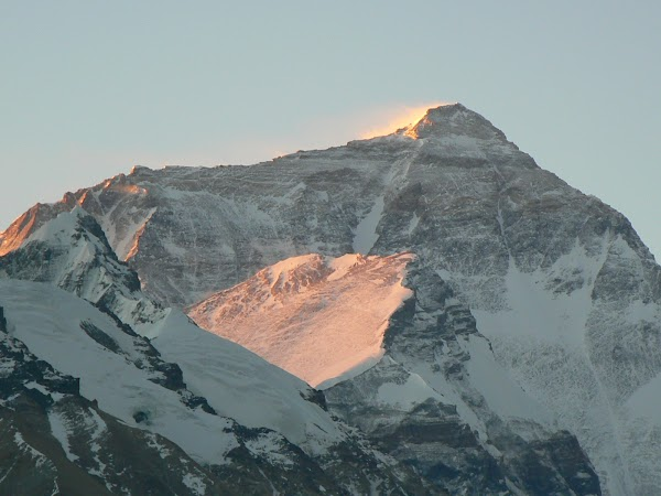 Imagini Tibet: rasarit pe Everest