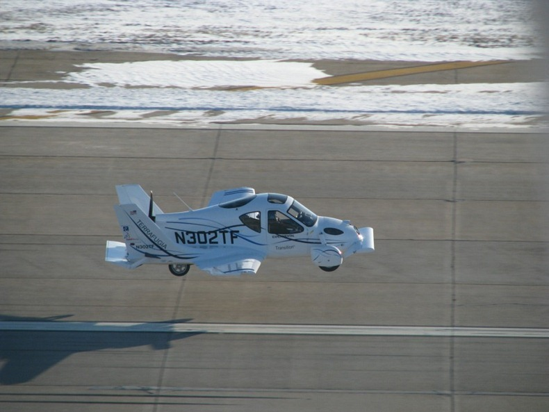 flying-car-terrafugia-8