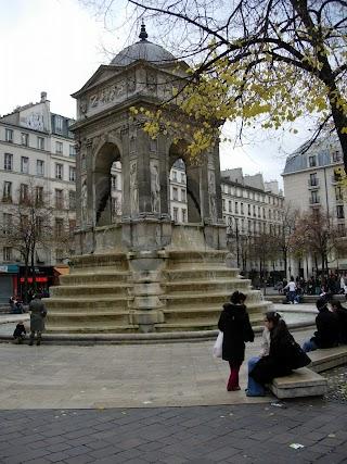 Fontaine des Innocents à Paris