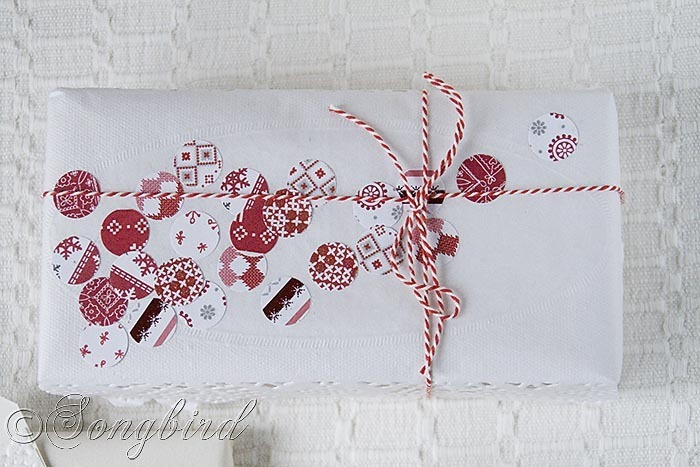 Songbird Christmas White Red Gift Wrapping 3