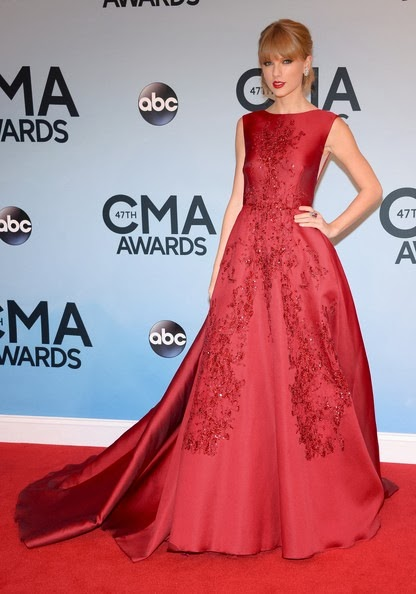 Taylor Swift attends the 47th annual CMA Awards