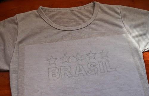 diy-customizando-camiseta-brasil-acrilpen-2.jpg