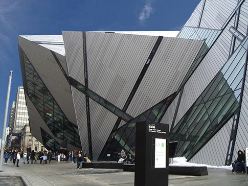 74. Royal Ontario Museum Expansion (Toronto, Canadá)