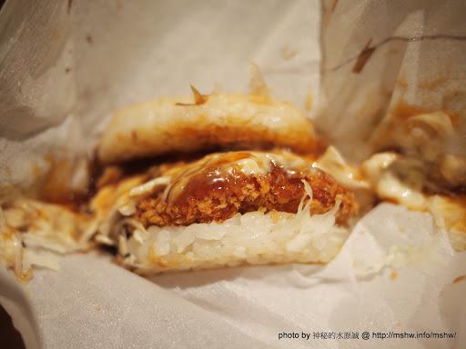 """萬惡的期間限定!新品與限量是殘酷的>""""< ~ 台中""""摩斯漢堡MOS Burger""""科博館店 日式 漢堡 炸雞 飲食/食記/吃吃喝喝"""