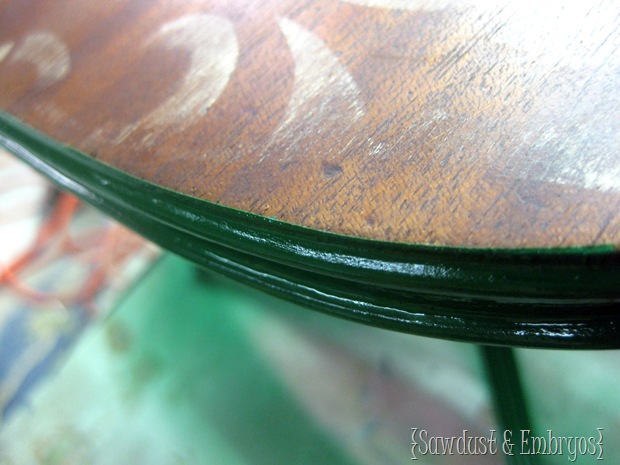 Perfectly Crisp paint lines on a rounded edge {Tutorial by Sawdust and Embryos}