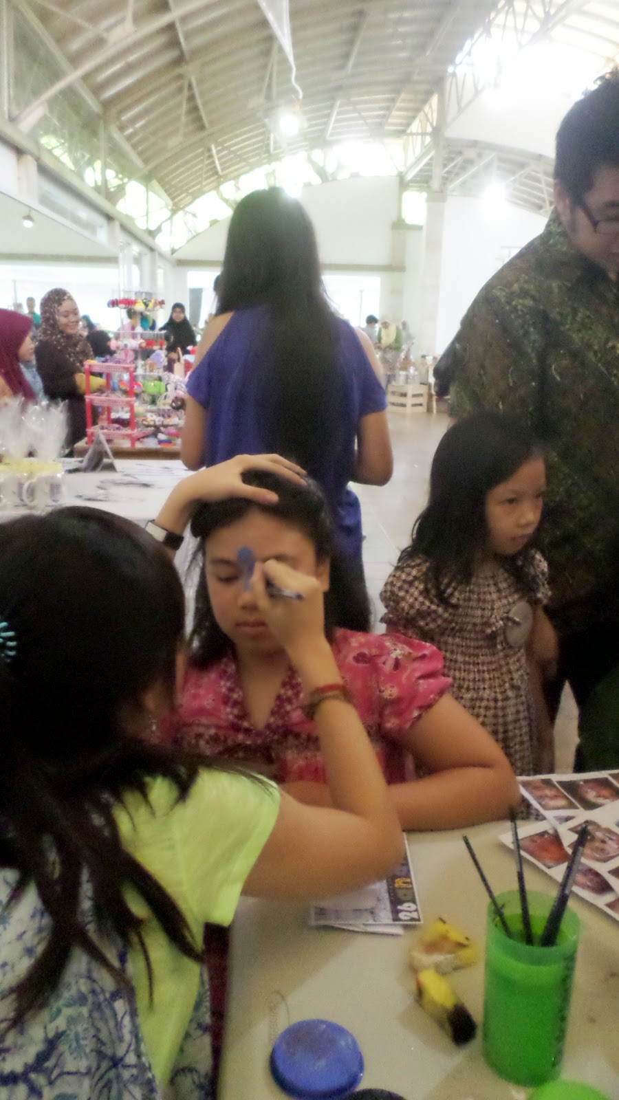 A HOUSEWIFES DAY OUT Pesta Persahabatan Ananda 26 Tahun