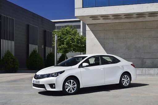 2014-Toyota-Corolla-26.jpg