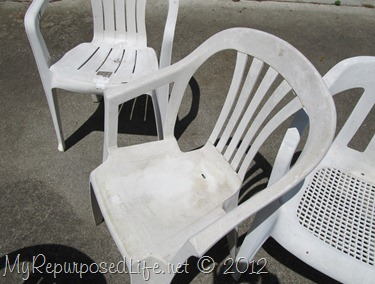 & spray paint plastic chairs