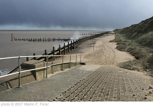 'Hopton beach, Norfolk' photo (c) 2007, Martin P - license: http://creativecommons.org/licenses/by-nd/2.0/