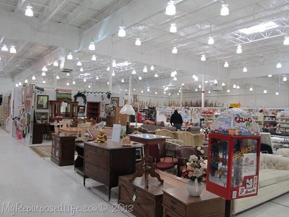 Peddler's Mall Thrift Store