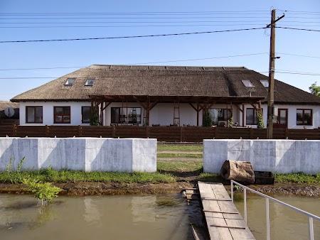 29. Pensiunea Doi Capitani - Crisan, Delta Dunarii.JPG