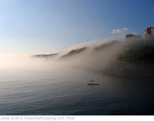 'Morning swim in Banyuls-sur-mer' photo (c) 2010, FrenchSelfCatering.com - license: http://creativecommons.org/licenses/by/2.0/