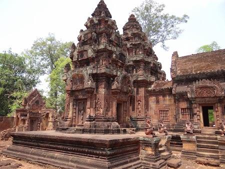 12. Banteay Srei temple.JPG